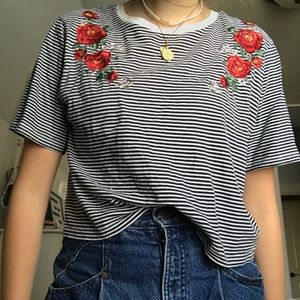 embroidered striped crop tee!